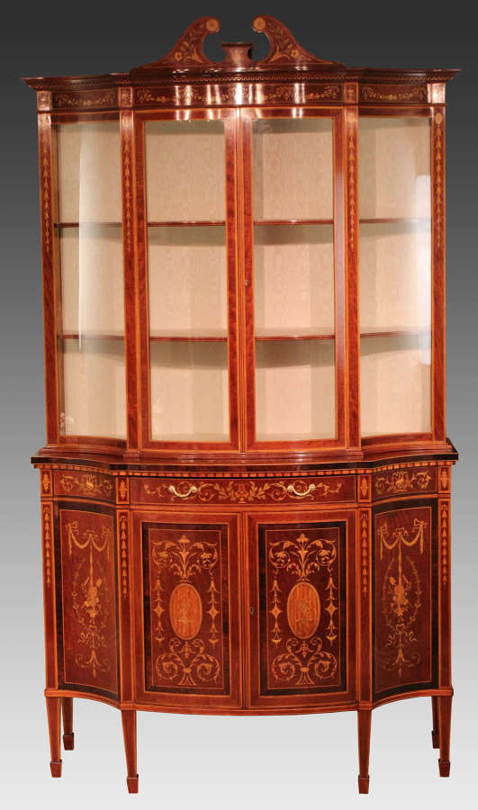 A Fine Late 19th Century Edwards & Roberts Serpentine Display Cabinet