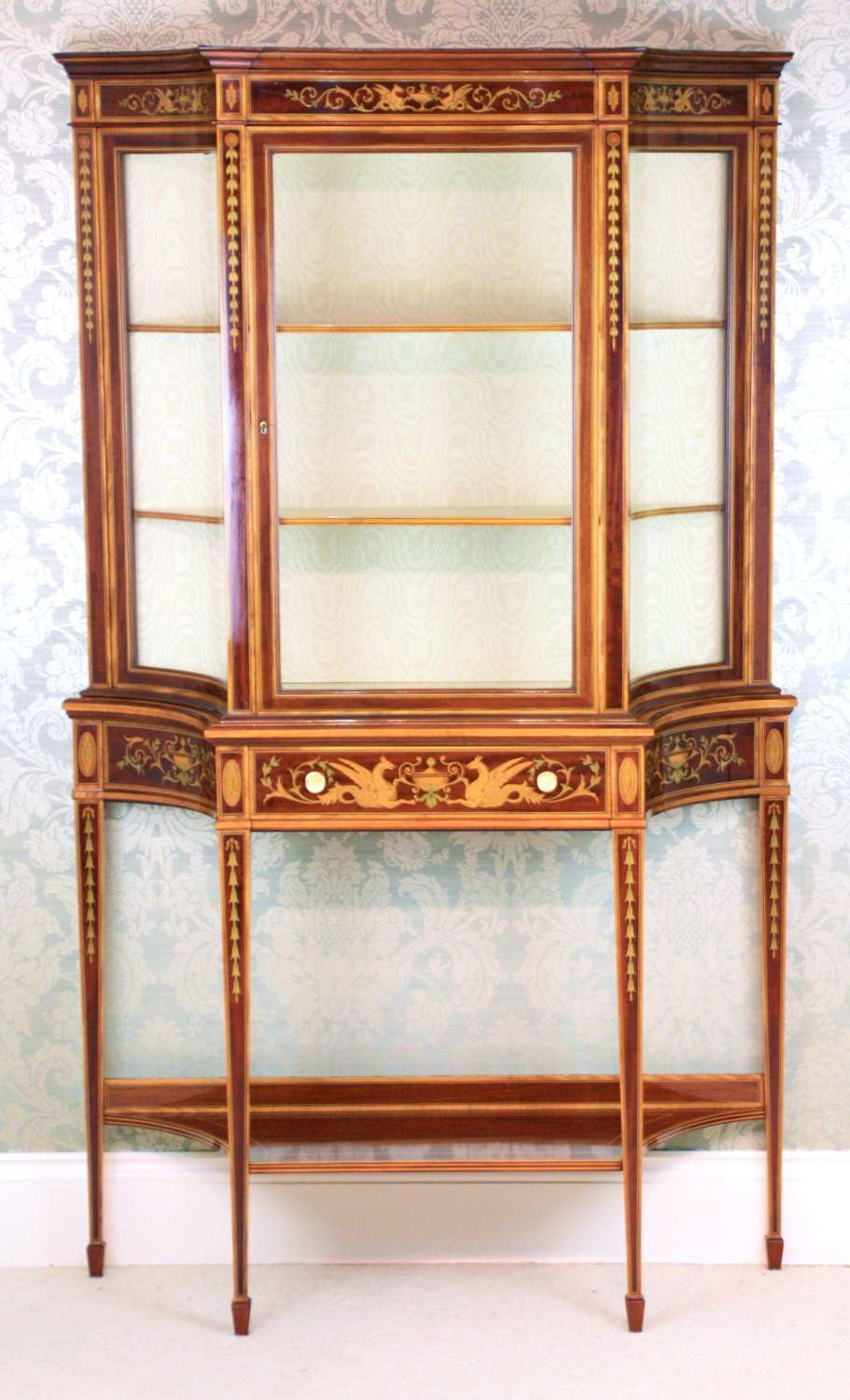 A Fine Late 19th C Edwards & Roberts Mahogany Display Cabinet